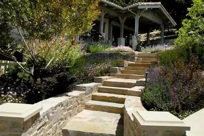 花园设计中的台阶,让你的花园一步一景