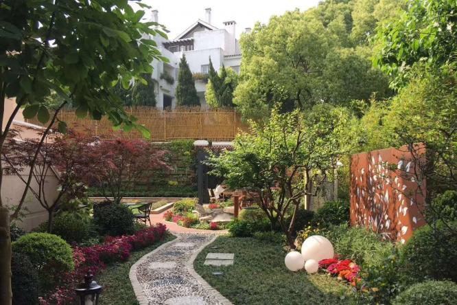 品读深秋里的私家庭院景观